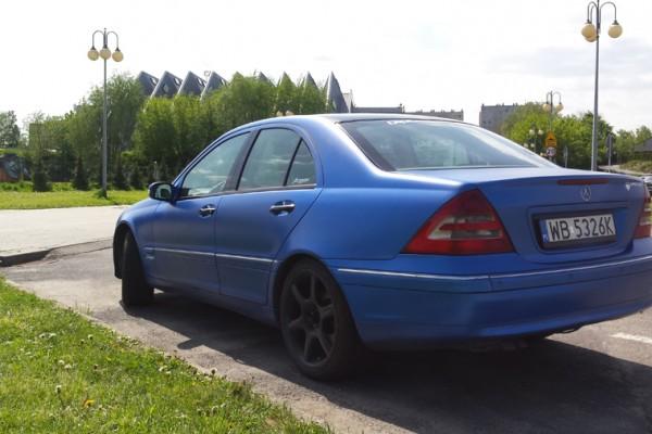 Mercedes w203 Plasti Dip World Rally Blue 15