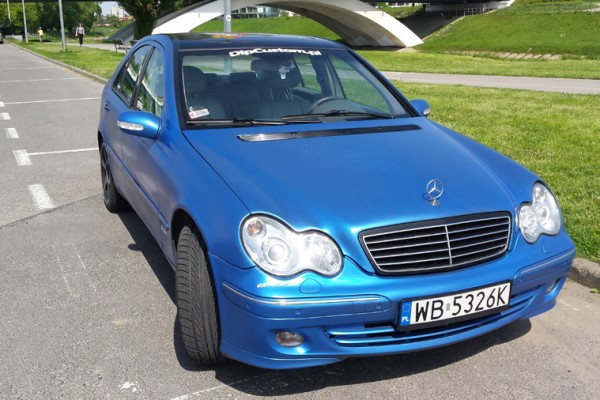 Mercedes w203 Plasti Dip World Rally Blue 2